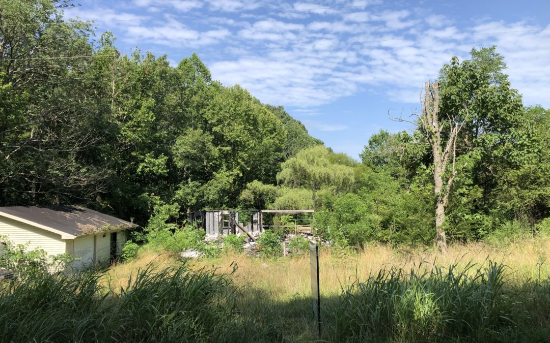 Building Lot & Garage: Online Only Absoulte Auction