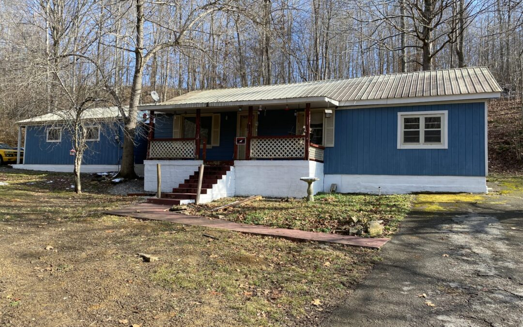 Multiple Investment Properties, 5 Homes & 8.47+- Acres