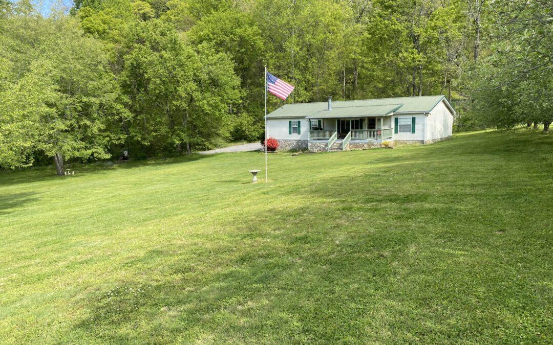 Nice Home & 3.32+- Acres, Garage, Basement, Near Cordell Hull Lake