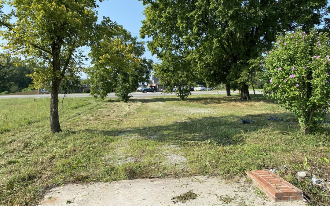 COMMERCIAL LOT • 0.5+/-ACRES • ZONED CL